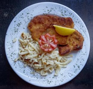 Wiener Schnitzel mit Spaetzle